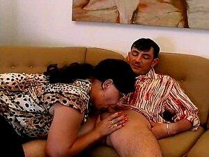 Mãe Velha Louca Obtém Grande Galo Fodida E Gozada Nos Peitos Porn