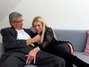 Um Casal Velho E Jovem Stripper Porn