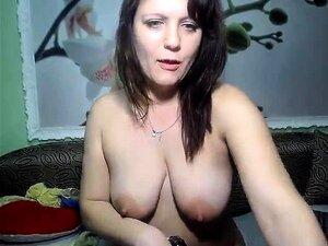 A MILF A Solo Masturba-lhe A Rata Suculenta. Porn
