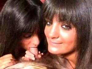 Gémeos Adolescentes Muito Sexy Natasha E Pamela Porn