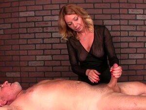 A Massagista Femdom Usa O Vibrador Para Arruinar O Orgasmo. Porn