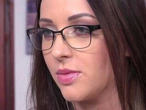 Carolina June Seduz Um Homem De Negócios Para Um Sexo Anal Desagradável-Carolina June, Thomas Stone Porn