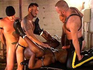 Orgia Bareback Porn