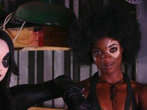 Ebony Ana Foxxx Em Cena Lésbica Perversa Com Jennifer White-Jennifer White, Ana Foxxx Porn