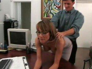Saskia, Nesta Entrevista, Tentei Manter A Coisa Como Pro Quanto Possível, Mas Isso Nunca Funciona Quando Me Deparo Com Mulheres Mais Velhas Com Boceta Molhada Olhando Para Obter Martelado. Essa Garota Não Foi Excepção. Saskia Era Um Verdadeiro Vencedor. B Porn