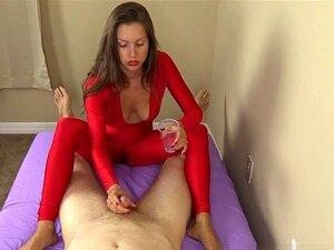 Uma Punheta Da CFNM, Uma Punheta Do Cumshot. Eu Estou No Meu Brilhante Bodysuit Vermelho Com Batom Vermelho Brilhante Mas Estão Todos Nus, Porque Eu Quero Acariciar Seu Pau Com As Mãos E Os Pés Até Que Você Cum Toda Sobre O Meu Muito Pouco Dedos Assim, Ap Porn