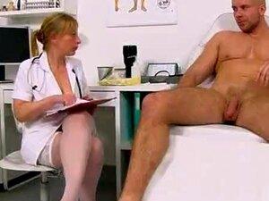 Gabina Checa Suja De Uniforme A Masturbar A Pila De Paciente Porn
