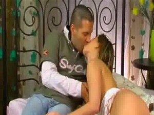 Duas Virgens Para Um Atleta Porn