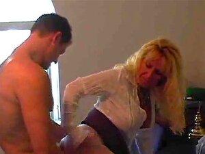 Loira Gostosa Peituda Loira Vovó Cougar Julia Porn