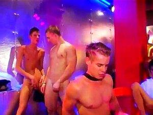 Homens Peludos E Sexys Porno Gay Estes Gajos Afortunados Estão A Começar A Rebentar Porn