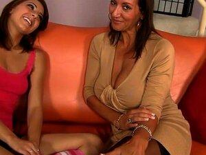 Adolescente E Mãe Compartilham Um Grande Galo Porn