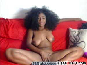 Uma Miúda Negra E Sensual Masturba-se No Cam. Porn