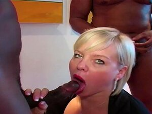 Peituda Madura Permite Anal De Galos Pretos Enormes Porn