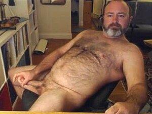 Urso Gay A Saltar Para O Peito Sexy. Porn