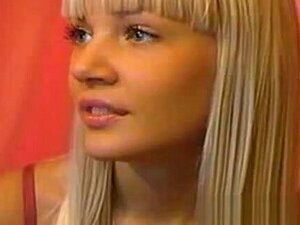 Adolescente Loira Boazona Nua Na Webcam, Porn