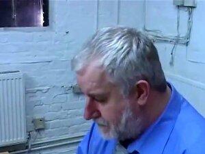Doutor Johnson Fucks Twink Paciente Cru, Nesta Cena De Fantasia, Doutor Johnson Não Pode Deixar De Notar O Tesão Raging No Paciente Dele Twink Bonito, Após Verificar Sua Próstata E Tendo Um Swab Anal. Em Pouco Tempo, Os Dois São Bareback Porra Em Cima Da  Porn