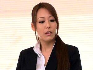 Elegante Dama Oriental Com Peitões Gosta De Sexo Anal Violento Porn