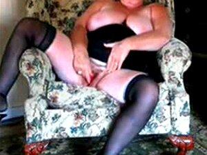 57 Anos Velha Eva Se Masturba Na Sala De Estar Porn