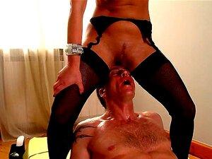 Babe Bonito Lexy Está Mijando Na Boca Do Seu Chefe. Porn