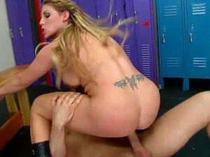 Sexo De Vestiário Maminha Grande Policial Porn