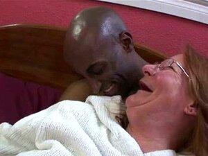 Avó De Ruiva Interracial Porn