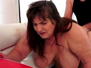 Querida Gorda Irma Está Ficando Um Cunnilingus Desleixado Porn