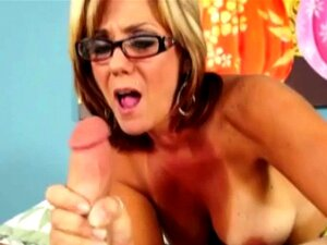 Vadia Madura Cougar Dando Handjob Porn