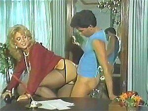 MILFS Cheias De Tesão E Levadas Fodem Um Caralho Duro Nesse Vídeo Escaldante E Antigo. Porn