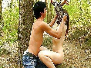 Casal Adolescente Foda No Bosque Porn