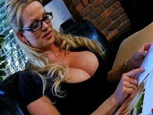 Mulher Peituda Aperfeiçoa A Arte Do Sexo Oral Porn