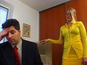 Loira Alemã Secretário Fodido Por Chefe Porn