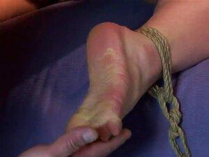 Pobre Olga Amarrada à Cadeira Com A Bunda Dela Saindo Pronto Para Punição. Ela Obtém Uma Palmada Com Uma Vara De Madeira Até Que A Vez Dela Bochechas Vermelhas Ao Mesmo Tempo Sendo Sentiu E Lambeu Sobre Porn