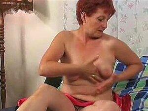 Vovó Com Tesão Se Masturba Sua Buceta Raspada Porn