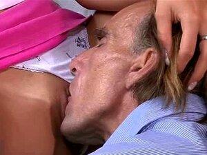 Pai Tarado Lambe E Fode A Buceta GF Do Seu Filho Porn