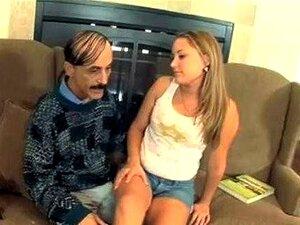 Velho Safado Lambe Uma Puta Adolescente Porn
