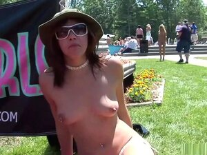 Exotic Pornstar In Incredible Striptease, Group Sex Scene, You're Outdoor And The Sun Is Shinning So You Won't Miss A Thing When A Group Of Girls Try And Outdo Other, By Taking Off Their Bikini While Everyone Looks On. Uma Morena Mostra As Mamas Enquanto  Porn