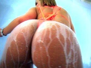 Nikki Sexx Leva Um Pinto Grande No Rabo Na Banheira De Hidromassagem Porn