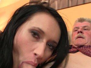Encontrar Um Casal De Idosos Com O Seu Gf Adolescente. Casal Velho E Adolescente Porn