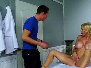 Massagem Da Mãe Com Alexis Fawx E Justin Hunt Porn