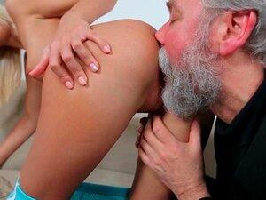 720p - Homem Mais Velho Pervertido, Sentindo Um Gosto De Buceta Teen Colegial Porn