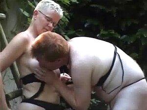 Minha Mulher Madura é Uma Puta Lésbica. Amadores Mais Antigos Porn