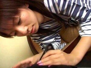 Legendada Infiel Esposa Japonesa Dá Ator Um Boquete Porn