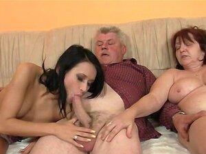 Os Pais Antigos Fodê-la Como Ele Folhas Porn
