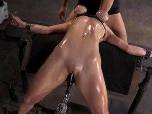 Sub BDSM Bella Rossi Na Máquina Fodido Porn