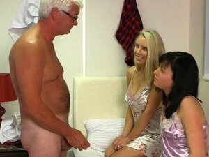 Babes Europeus Um Broche, Babes Fetiche Europeu Nu Arrasta Um Broche Porn