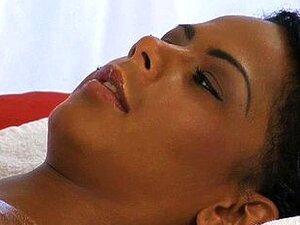 Lábios Sensuais De ébano Sensual E Massagem Do Clitóris Porn