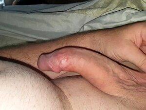 Esquivando-se Do Velho Gordo Do Caralho! Porn