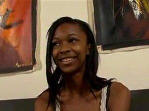 O Primeiro Anal Da Ebony Girl. Ela Usa Todos Os Buracos E Fica Tão Sensual Deitada De Costas A Ser Bombeada Pela BBC Para O Rabo. Porn