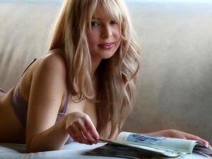 Rainha De Phoebe é Uma Inocente Babe Teen Porn