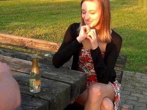 Chupo Pau Em Um Parque No Meu Caseiro Facial Clip De Vídeo, A Razão Por Que Fiz Meu Clip De Vídeo De Sexo Oral Amador é Mostrar Ao Mundo Como Fico Quando Recebo Facial Do Meu Namorado. Porn